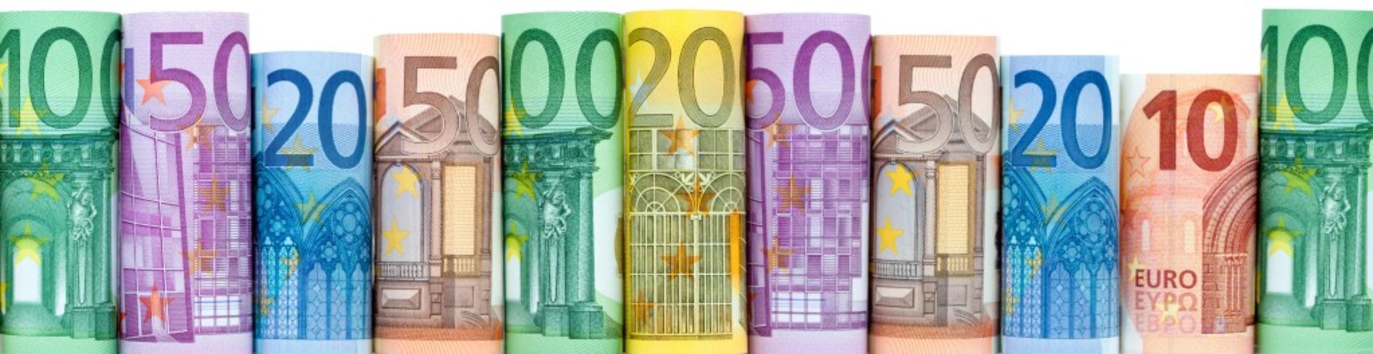 Ganz schön bunt kommen die Euroscheine..., es sind aber noch viele in Gebrauch.  | Foto: eyetronic - stock.adobe.com