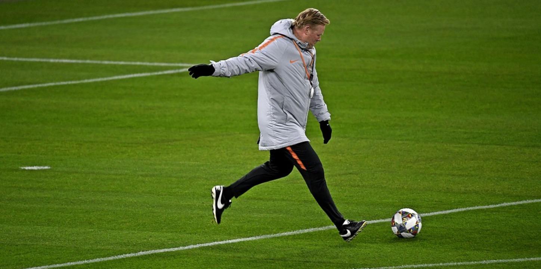 Der heutige Bondscoach Ronald Koeman h...ch als Fußballer für Aufsehen gesorgt.  | Foto: Ina Fassbender