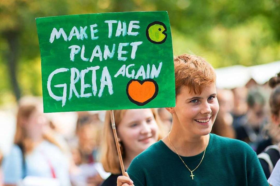 Junge Menschen haben das Thema Klimaschutz in den Mittelpunkt gerückt.  | Foto: Klaus-Dietmar Gabbert (dpa)