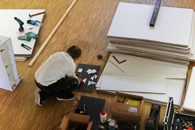 Warum der Freiburger Künstler Richard Schindler 3 Wochen rund um die Uhr in einem Raum verbringen will