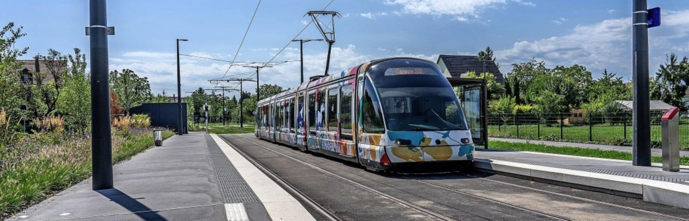Die Straßburger Tram führt über die Ha... Euro wurden in die Trasse investiert.  | Foto: teli