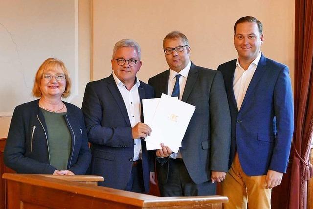 590.000 Euro vom Land: Minister Wolf bringt die Zuschussbescheide