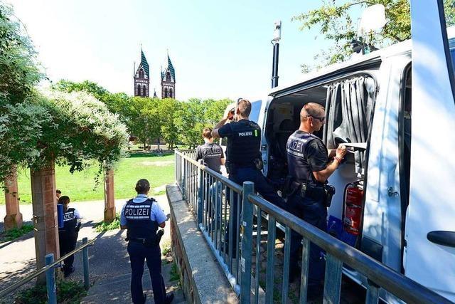 Polizei und Stadtverwaltung verschärfen Gangart auf dem Stühlinger Kirchplatz