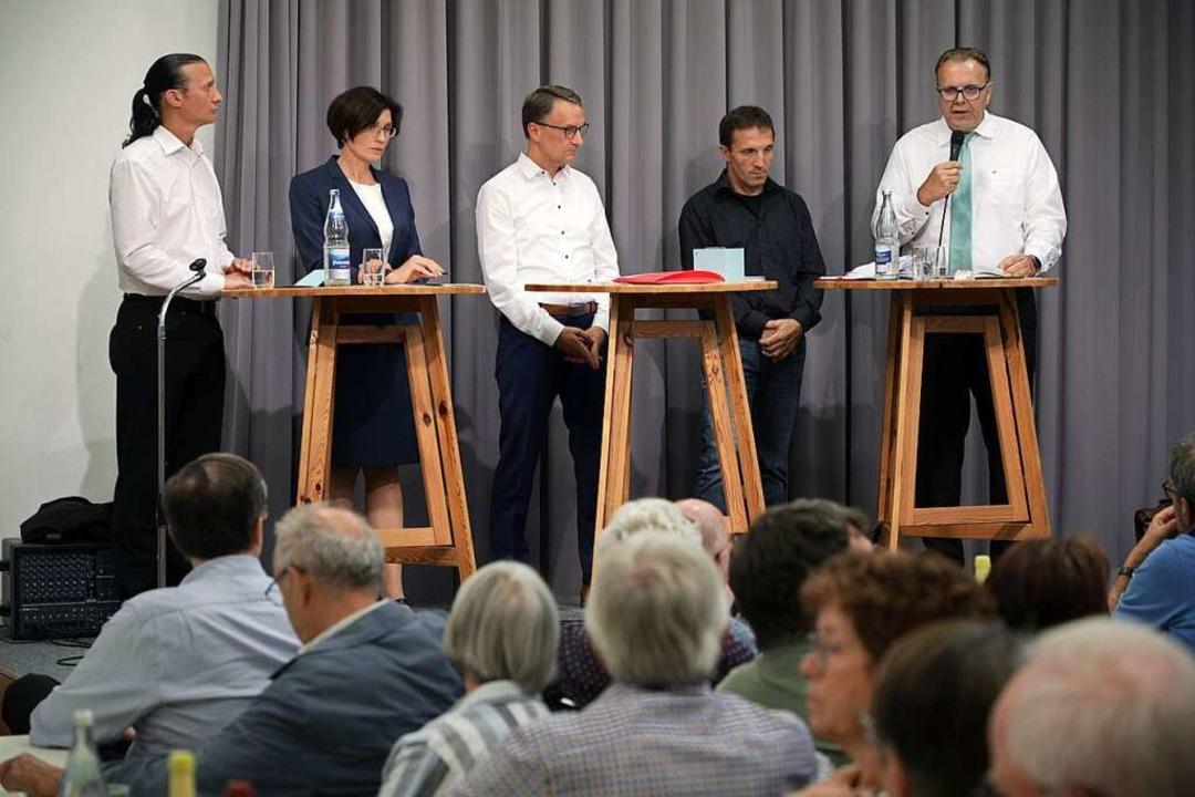 Die Kandidatenrunde  in Dinglingen: (v...ert, Lukas Oßwald und Guido Schöneboom  | Foto: Christoph Breithaupt