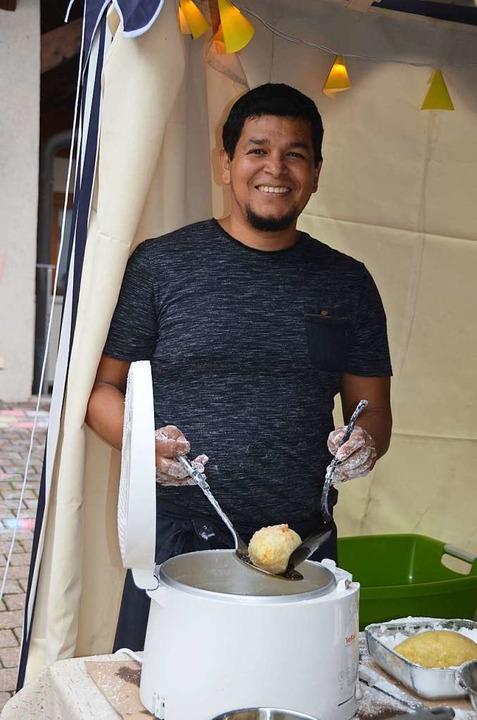 Es gab auch peruanisch gefüllte Kartof... zubereitet von einem jungen Peruaner.  | Foto: Christiane Sahli