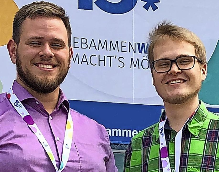 Männlicher Hebammennachwuchs: Konstantin Wroblewski (links) und Tobias Richter.  | Foto: Annette Wagner