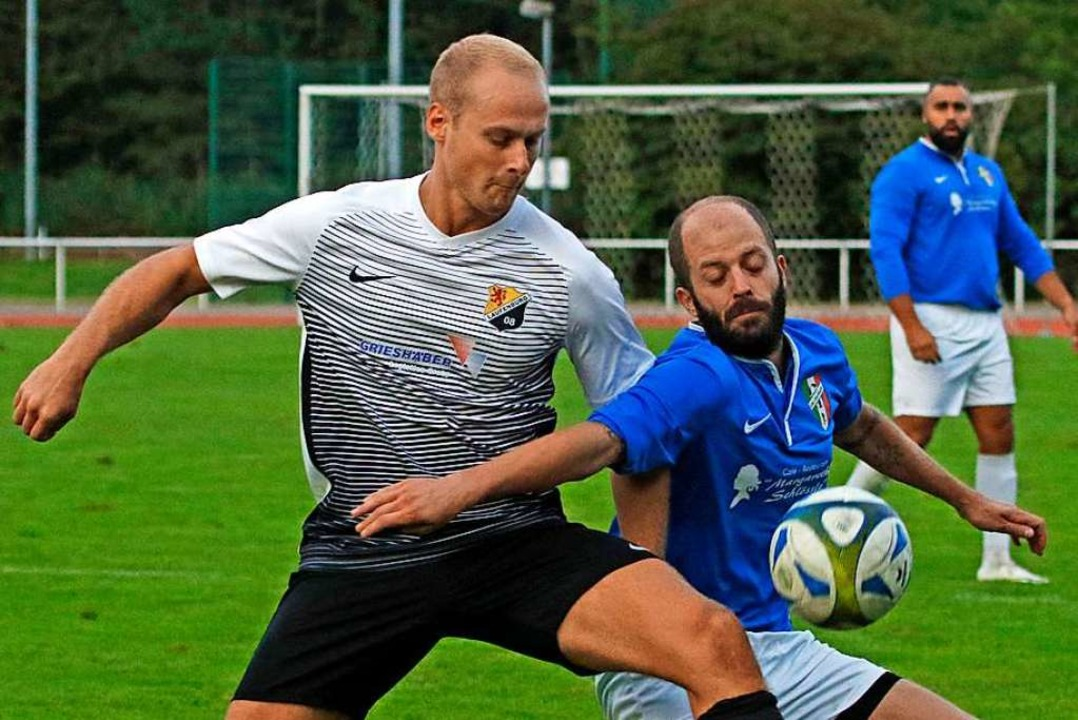 Enges Duell ohne Sieger: Christian Sib...I) gegen Umberto Di Stefano (C.S.I.).   | Foto: Matthias Konzok