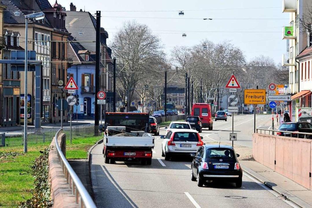Der Verkehr der B31 soll unter die Erde wandern (Archivbild).  | Foto: Ingo Schneider