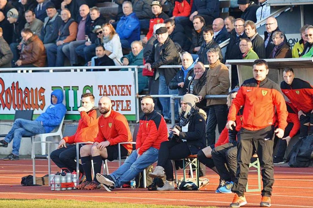 Blick zurück: Guiseppe Stabile (rechts... im März 2015 bei einem Spiel in Weil.  | Foto: Uwe Rogowski
