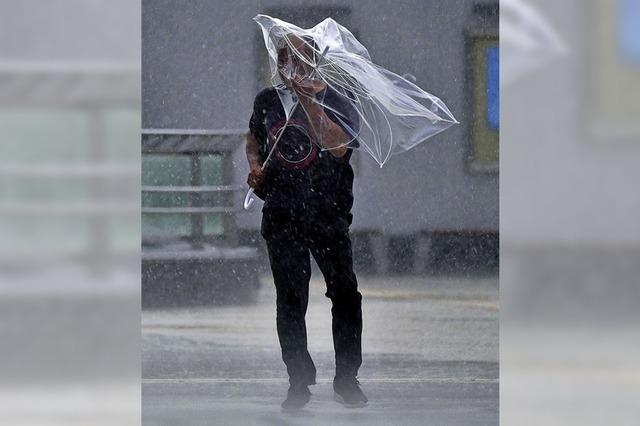 Taifun Faxai fegt durch Japan