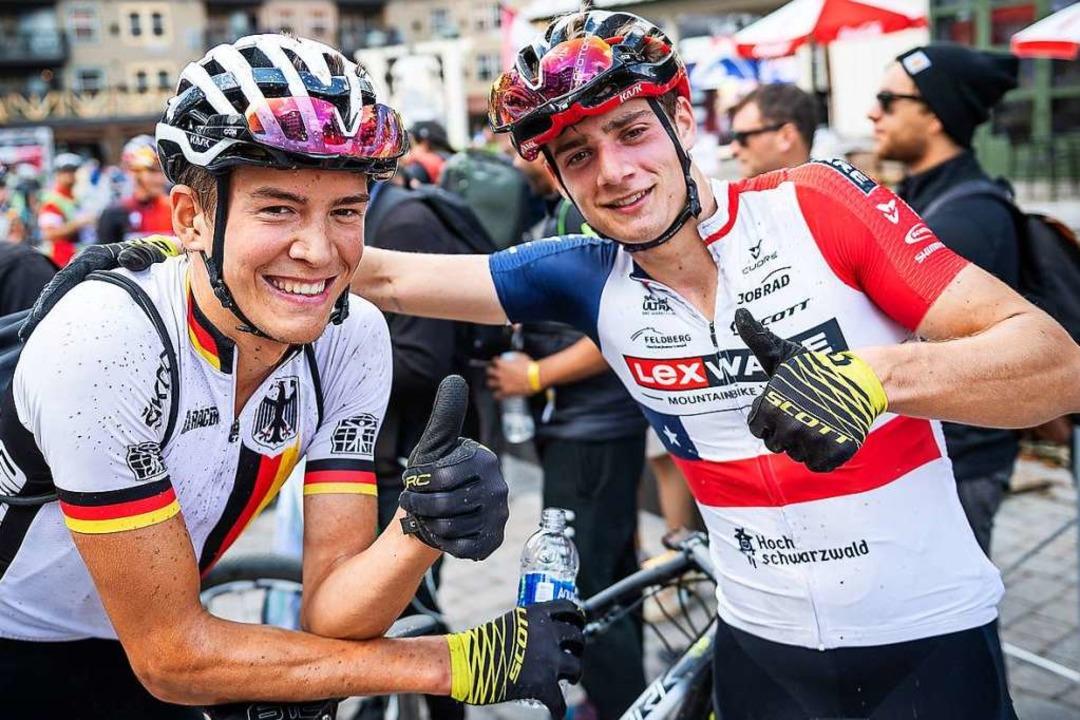 Daumen hoch: Max Brandl (links) und se...e-Teamkollege Martin Vidaurre Kossmann  | Foto: Niklas Hartmann