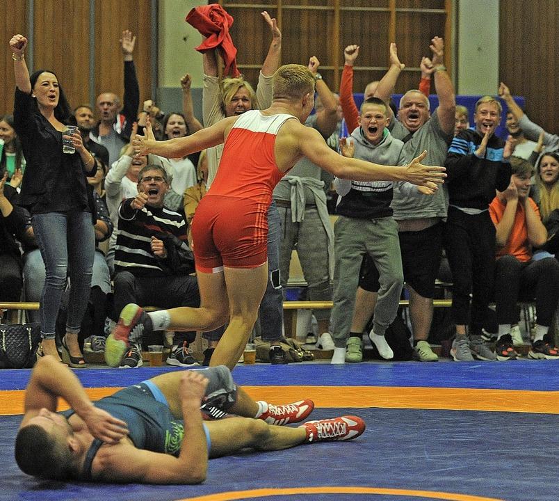 Der Sieg von Mike Köln löst regelrecht...nen Punktsieg für die RG Lahr  holte.   | Foto: Pressebüro Schaller