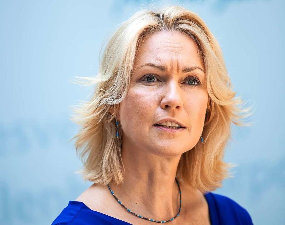 Schwesighat Brustkrebs und legt deswe...annt, wie die Staatskanzlei mitteilte.    Foto: Bernd von Jutrczenka (dpa)