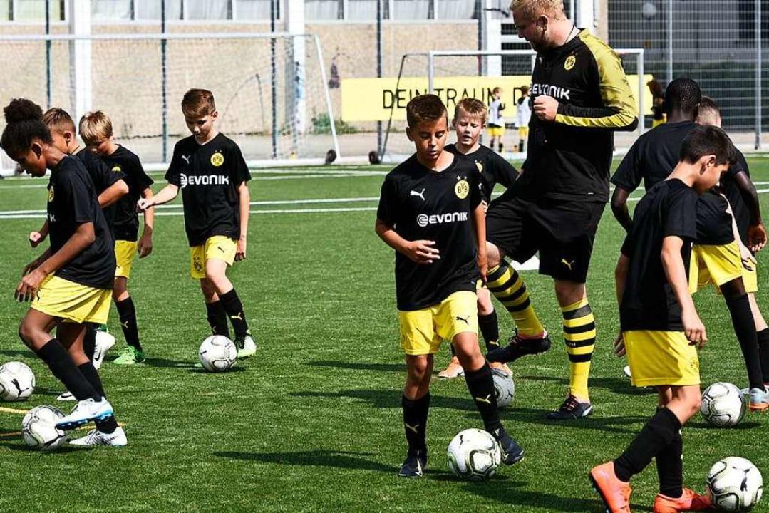 Die Technikschulung der jungen Fußballer steht mitunter im Vordergrund.    Foto: Thomas Kunz