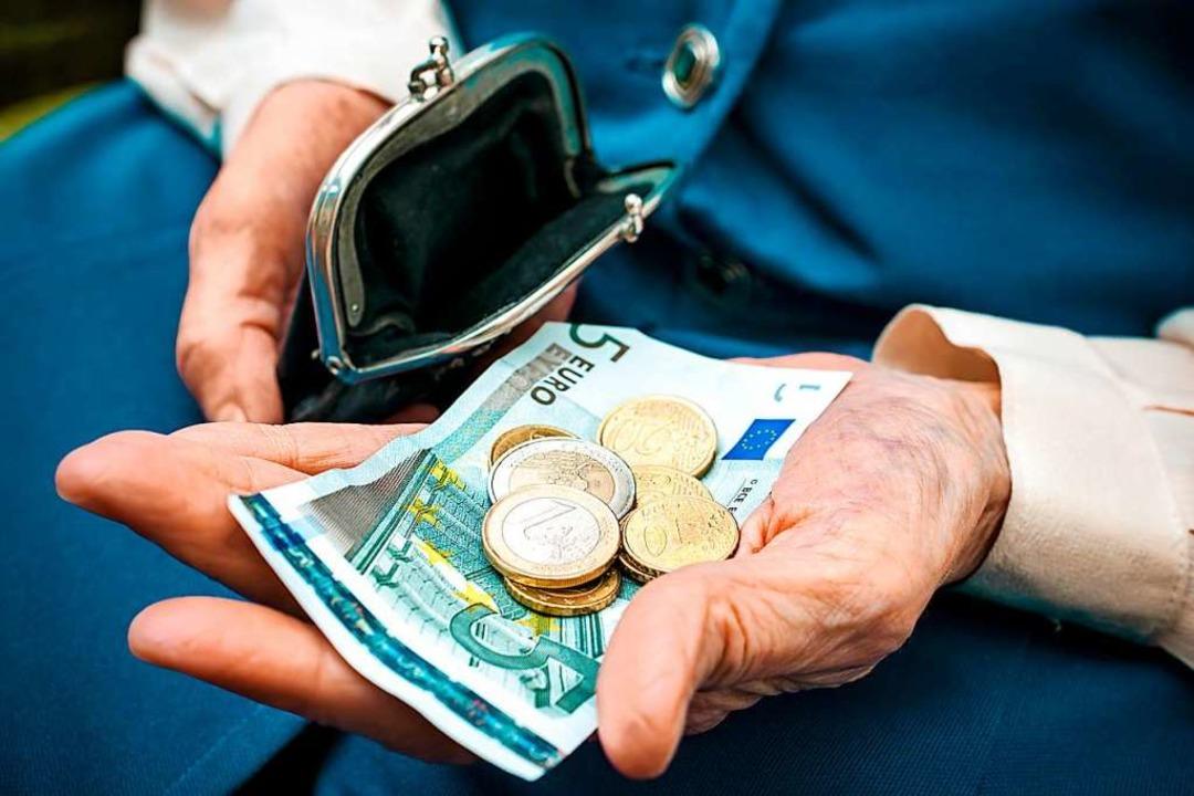 Zwei Unbekannte haben am Freitag einen...Geldbeutel herauszugeben (Symbolbild).  | Foto: Alexander Raths - stock.adobe.com