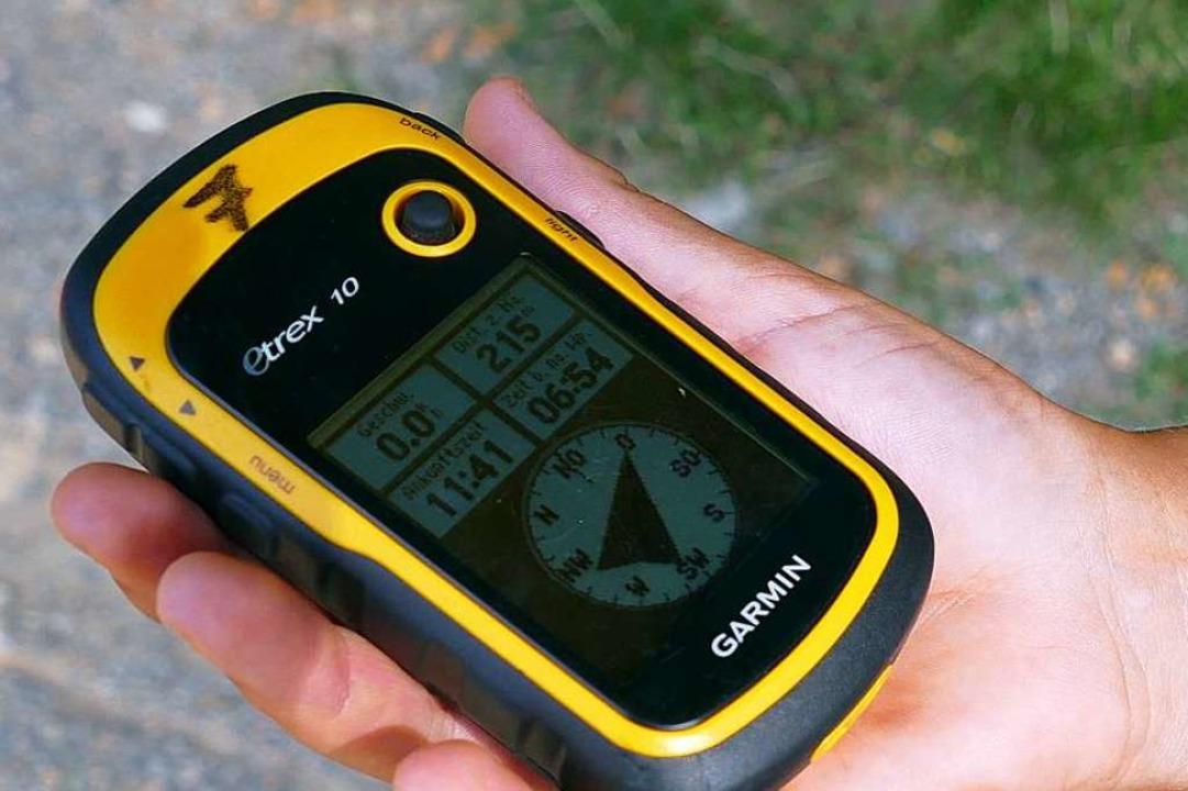 Mit einem solchen GPS-Gerät konnten sich die Kinder im Gelände navigieren.  | Foto: Jacqueline Ezsöl
