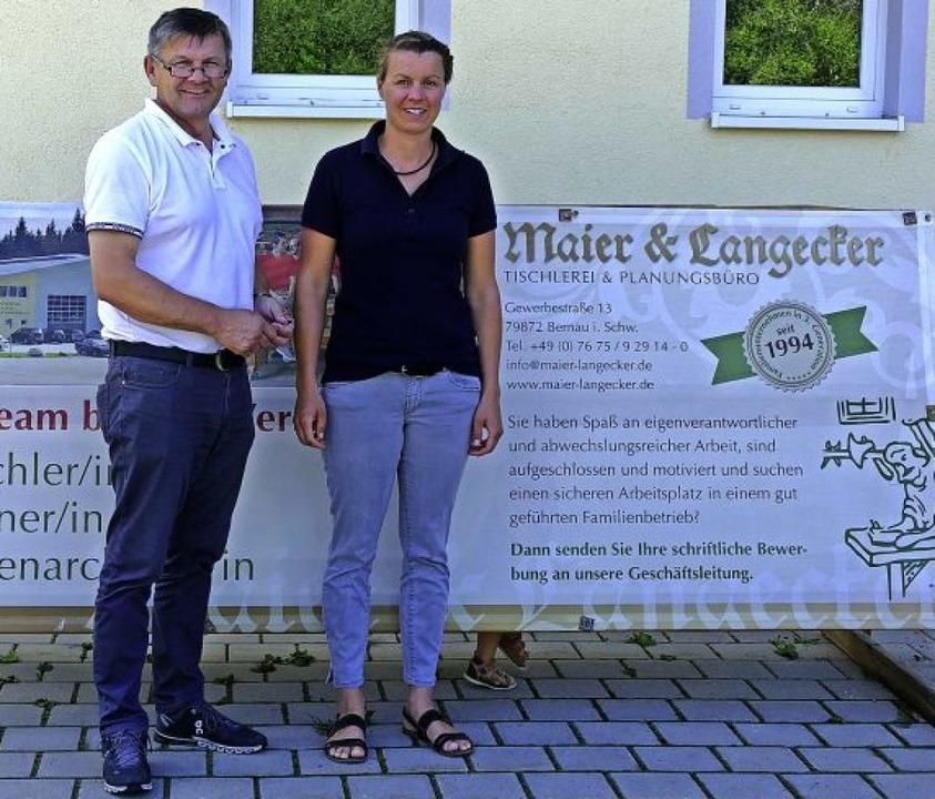 Konrad Maier und seine Tochter, Christ...e den Betrieb einmal übernehmen wird.   | Foto: Claudia Renk