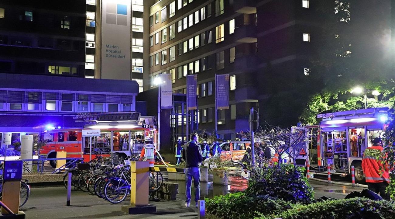 Der Brand im Marien-Hospital brach in einem Patientenzimmer aus.  | Foto: Sascha Rixkens (dpa)