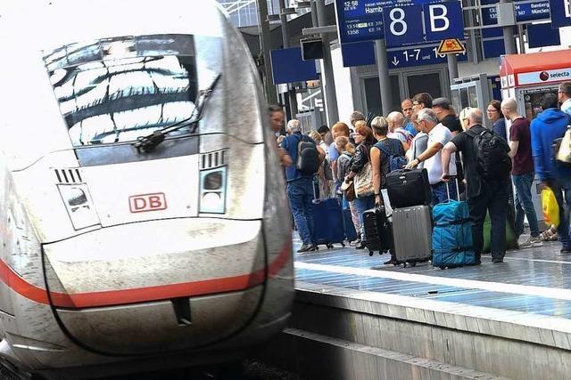 Nach tödlicher Attacke: Regierung und Bahn beraten über Sicherheit
