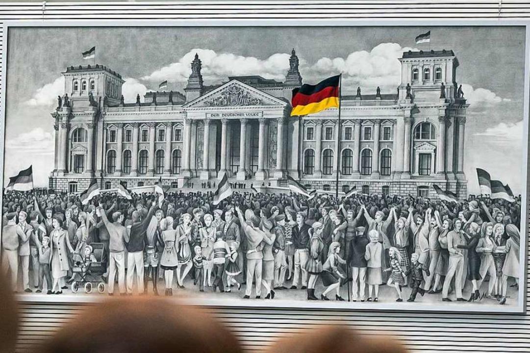 Die Wiedervereinigung ist eines der Motive  im Fraktionssaal der AfD.    Foto: Michael Kappeler (dpa)