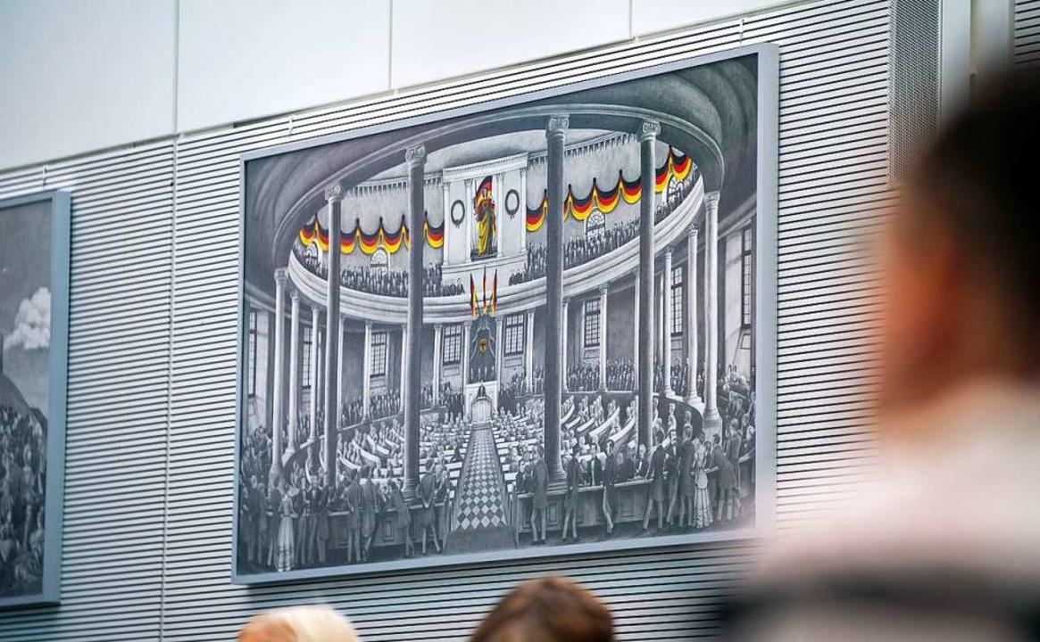 Eine Zeichnung mit dem Motiv der Deuts...im Fraktionssaal der AfD im Bundestag.    Foto: Michael Kappeler (dpa)