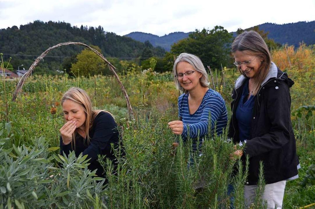 Engagieren sich im Verein Lebensgarten...arina Becking und Constanze Saalmann.   | Foto: Horatio Gollin