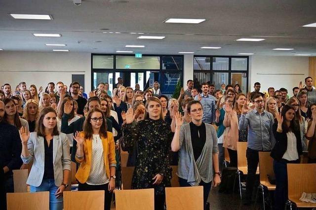 129 Jungpädagogen wurden zum Start des neuen Schuljahres vereidigt