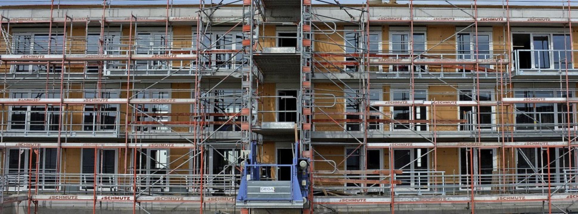 36 Wohnungen der Städtischen Wohnbau a...ig. 22 sind schon an Mieter vergeben.   | Foto: Hannes Lauber