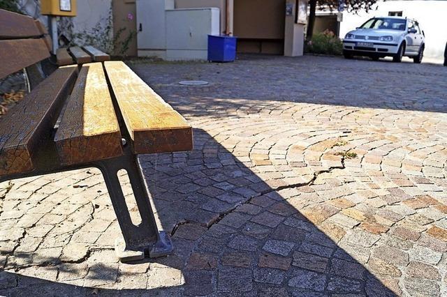 Schadstellen auf Dorfplatz sollen weichen