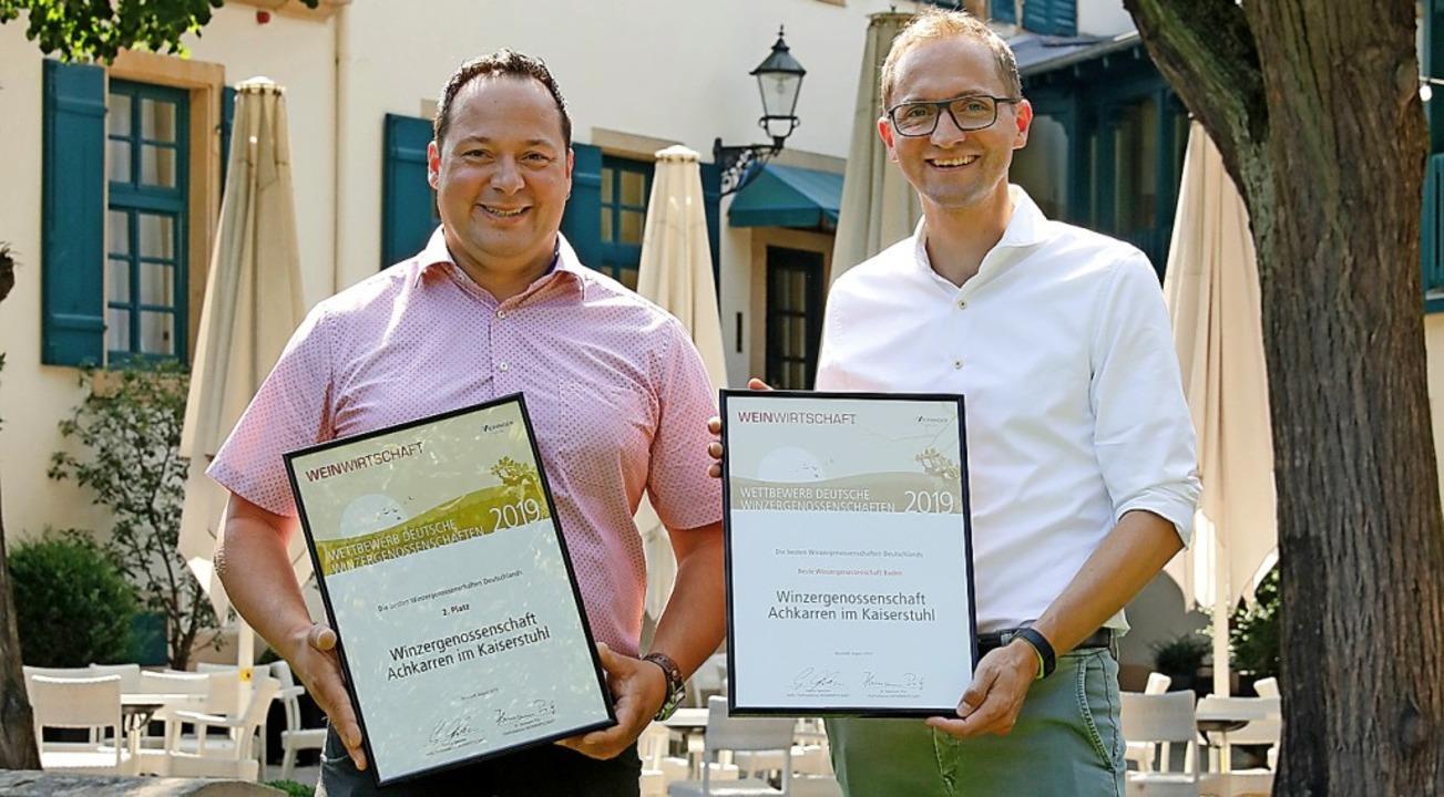 Denis Kirstein (rechts), Geschäftsführ...h über den Erfolg beim Leistungstest.   | Foto: MELANIE HUBACH