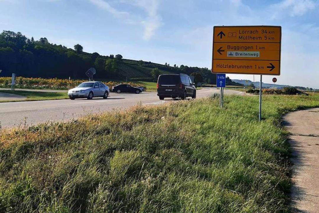 An der Stelle, an der Breitenweg und B...halb soll  ein Kreisverkehr entstehen.  | Foto: Sophia Hesser