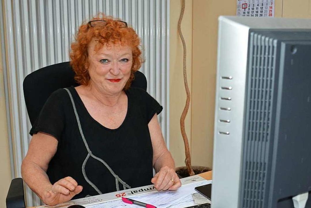 Geschäftsführerin Barbara Sauer hält d...n schwierigen Zeiten fest in der Hand.  | Foto: Hannes Lauber