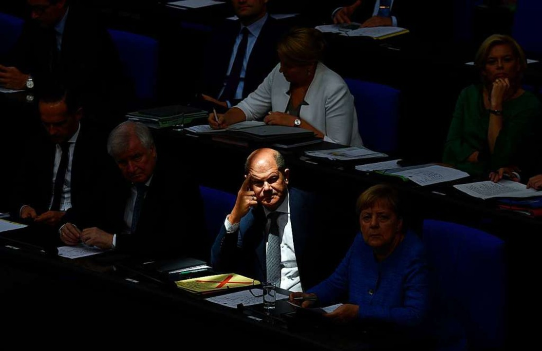 Noch geben sich Olaf Scholz und die Schröder-Gruppe nicht geschlagen.  | Foto: JOHN MACDOUGALL (AFP)