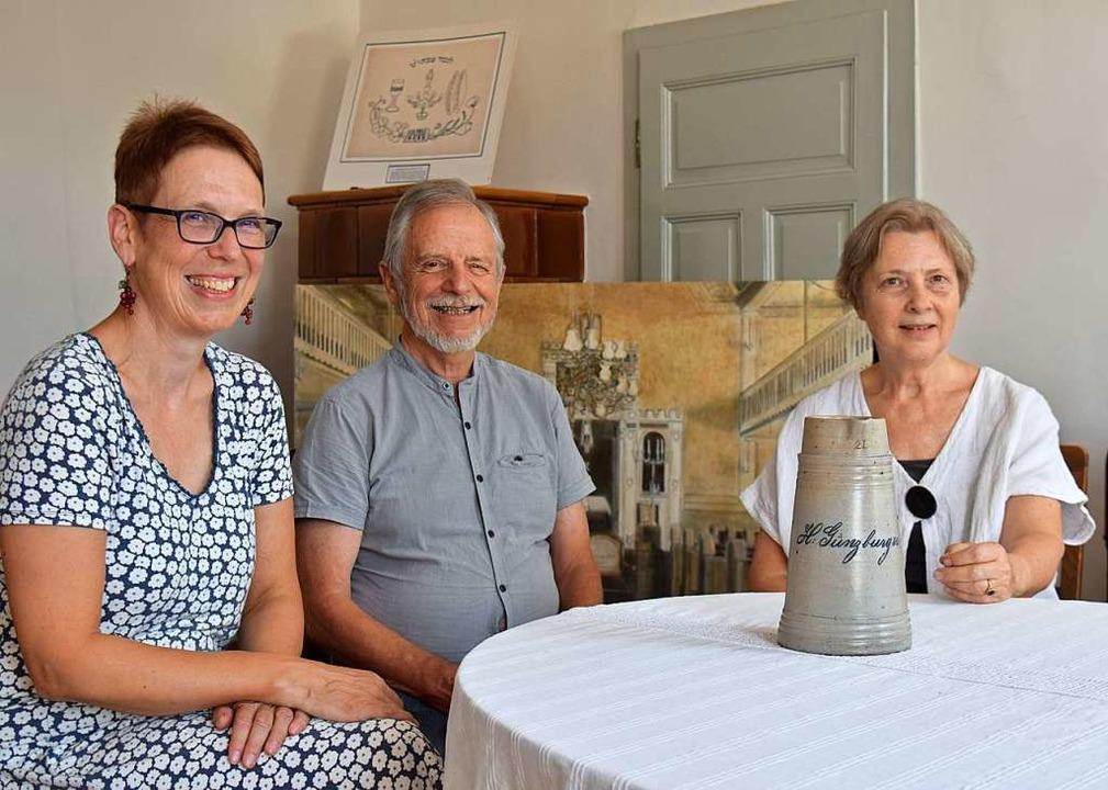 Die Vorsitzende Christiane Walesch-Sch...Jubiliäum im Blauen Haus  vorbereitet.  | Foto: Kai Kricheldorff