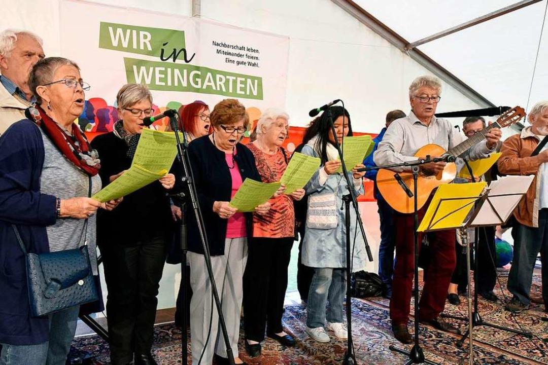 Zum 50-jährigen Bestehen des Freiburge... Chor mit dem aus Straßburg-La Meinau.  | Foto: Thomas Kunz