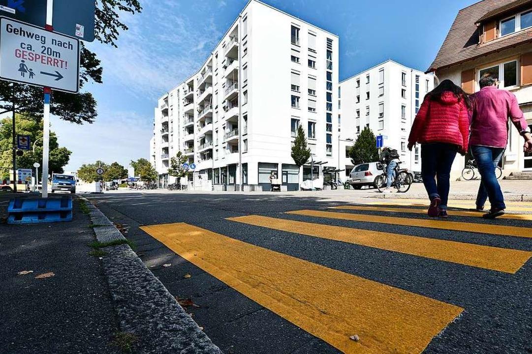 Einen provisorischen Zebrastreifen gib...zmattenweg (im Rücken des Fotografen).  | Foto: Thomas Kunz
