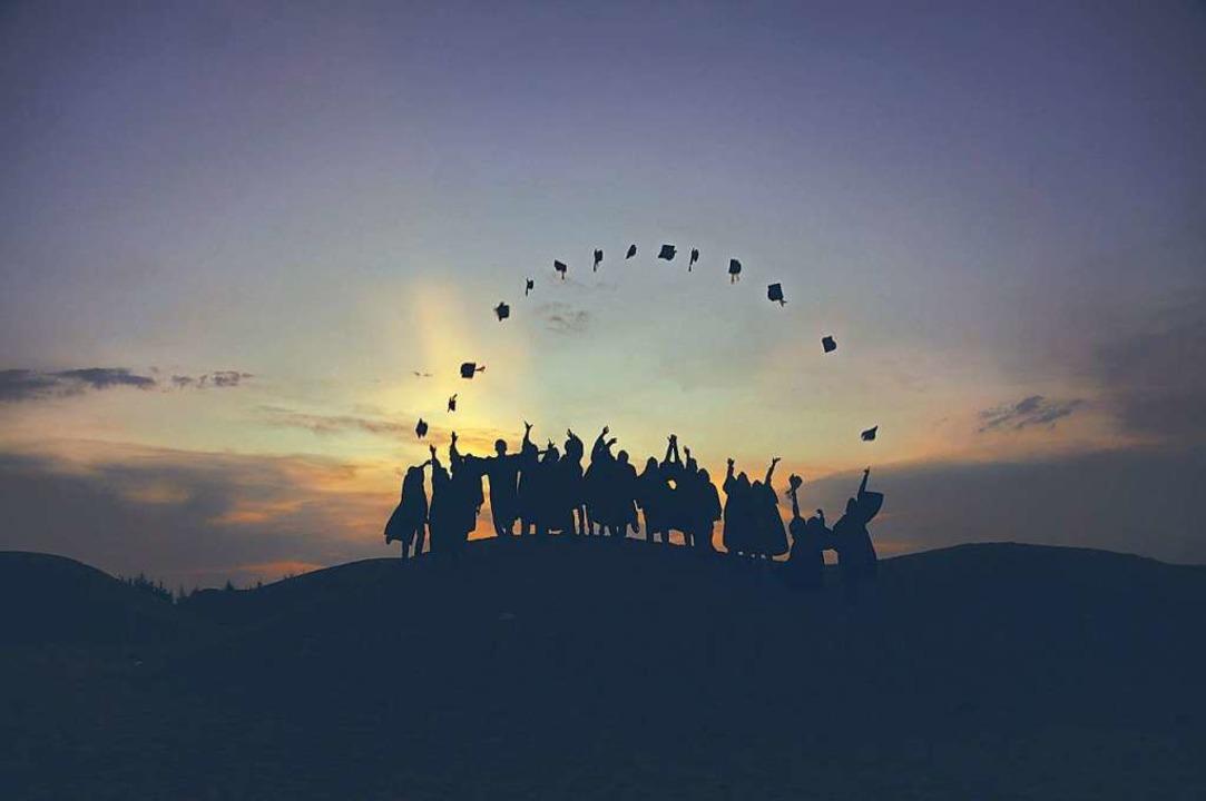 Die Oberstufe und der Weg zum Abitur kann, aber muss nicht steinig werden.  | Foto: Baim Hanif (Unsplash.com)