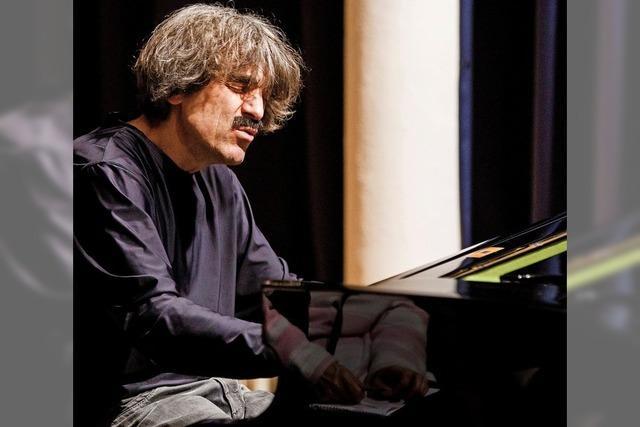 Blues-Pianist Thomas Scheytt gibt Konzert im alten Schloss in Wehr