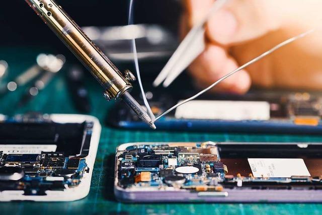 Der repairNstore in Freiburg repariert schnell und kostengünstig defekte Handys, Tablets und Co