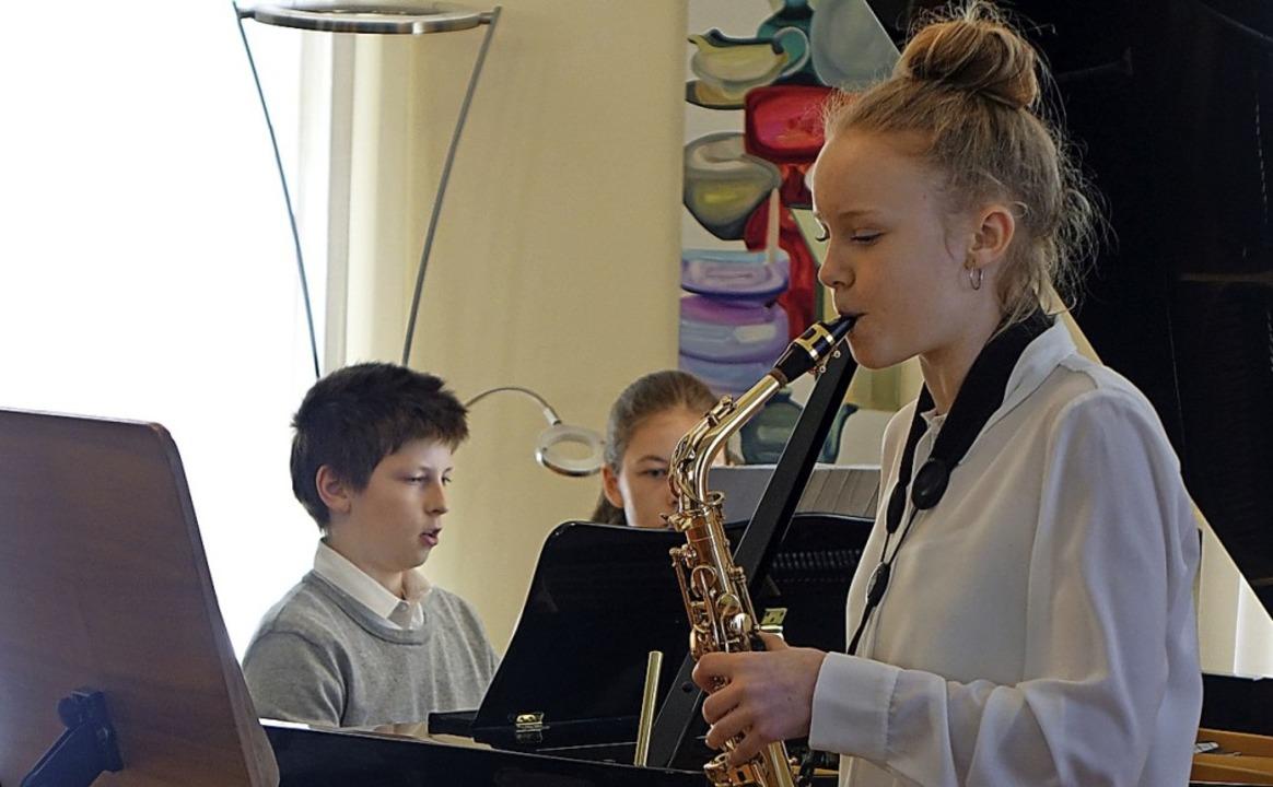 Auch Talente wie Rosalie Zehle, Saxofo...rhalten ein Podium beim  Musikherbst.   | Foto: Roswitha Frey