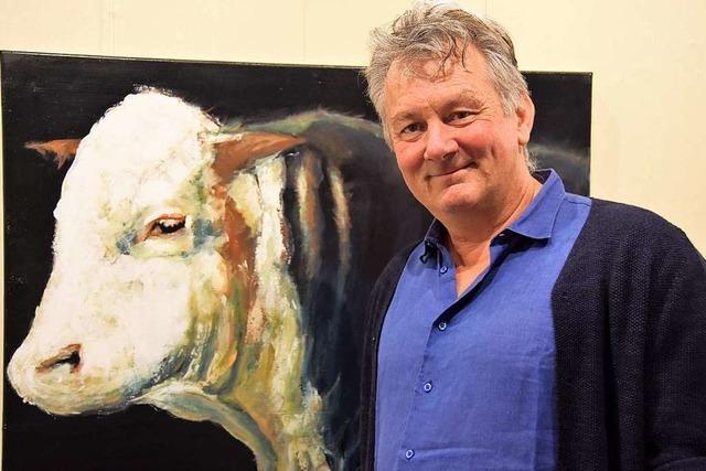 Ein Tierarzt und Hobbykünstler aus Glottertal stellt Tierporträts in Gundelfingen aus