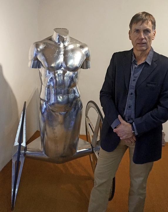 Der Künstler Christoph Bergmann entleh...uren aus der griechischen Mythologie.   | Foto: Paul Klock