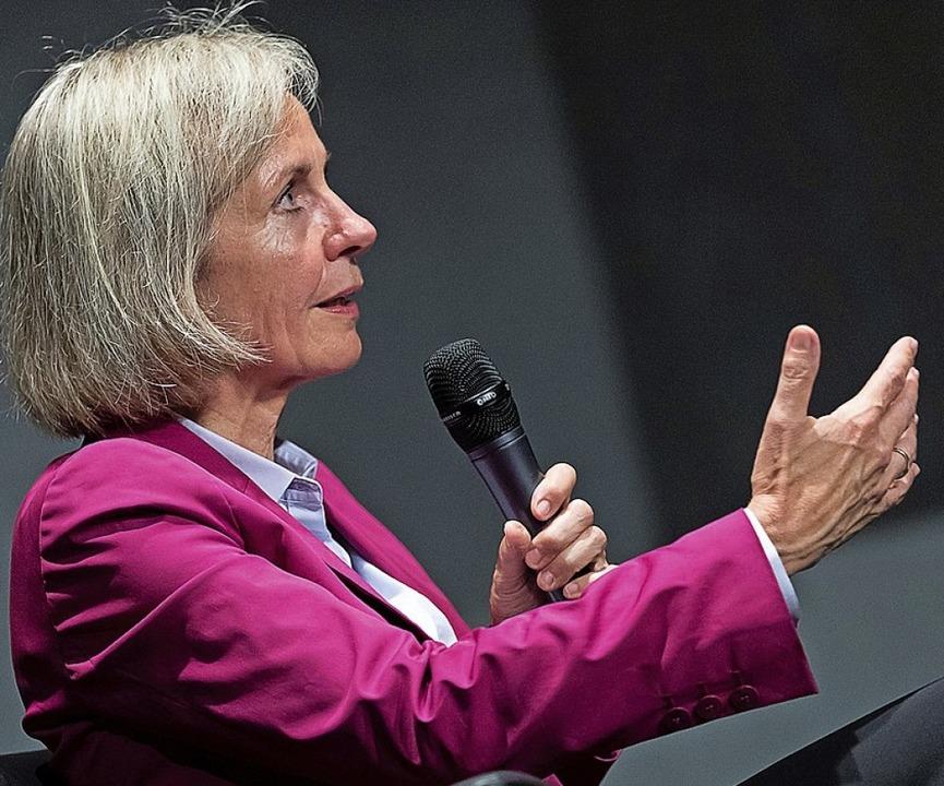 Prof. Ursula Münch sprach im Salmen.  | Foto: Braxart Fotografie