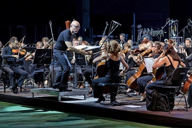 Basel Sinfonietta eröffnet die Saison auf dem Schiff im Rheinhafen