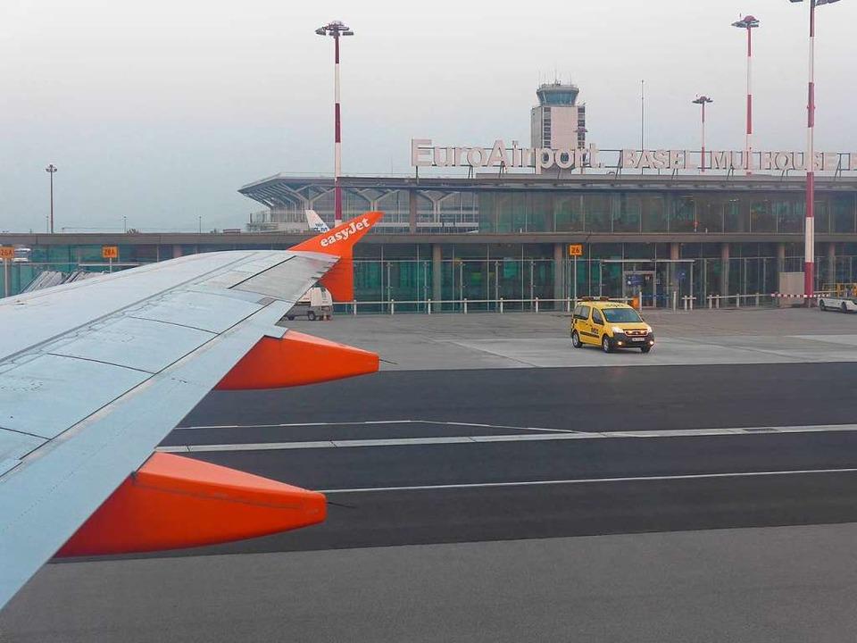 Der Flugbetrieb am Euroairport wird immer dichter.  | Foto: Daniel Gramespacher