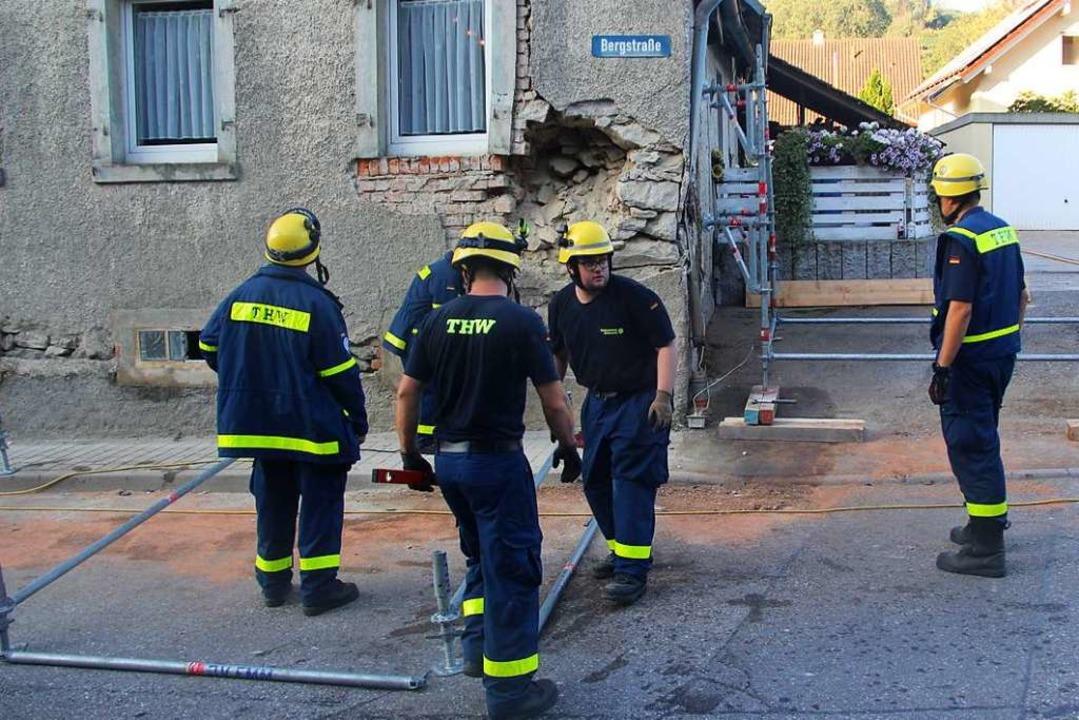 Das Technische Hilfswerk sicherte das Gebäude.  | Foto: Horst David