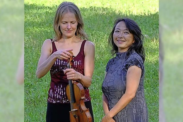 Kirsten Harms und Yuuko Katsukawa spielen