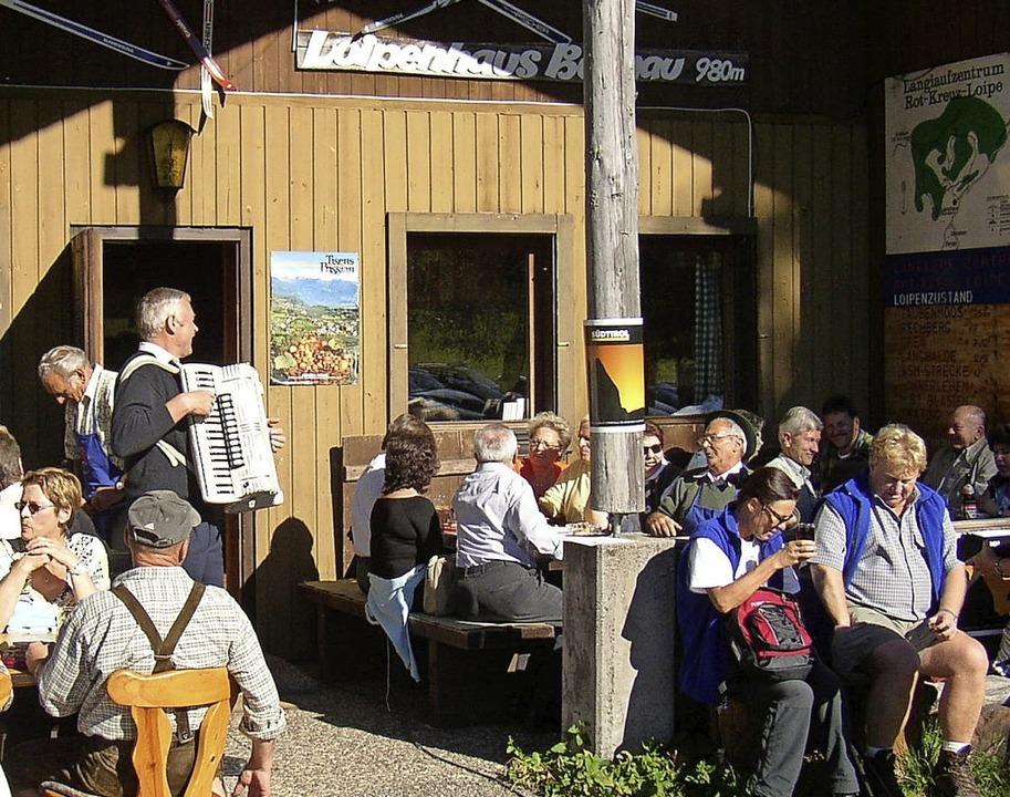 Wanderer können sich freuen: Ab dem ko...rig im Bernauer Loipenhaus einkehren.   | Foto: Ulrike Spiegelhalter