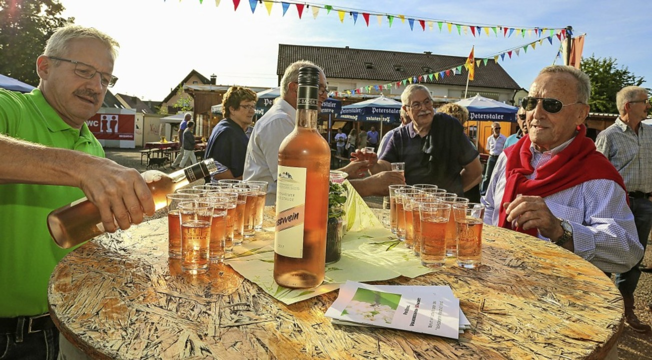 Ein Rosé wurde am Wochenende als Festwein ausgeschenkt.  | Foto: Sandra Decoux-Kone