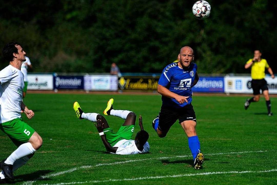 Janosch Bologna (rechts) traf für den SC Lahr.  | Foto: Pressebüro Schaller